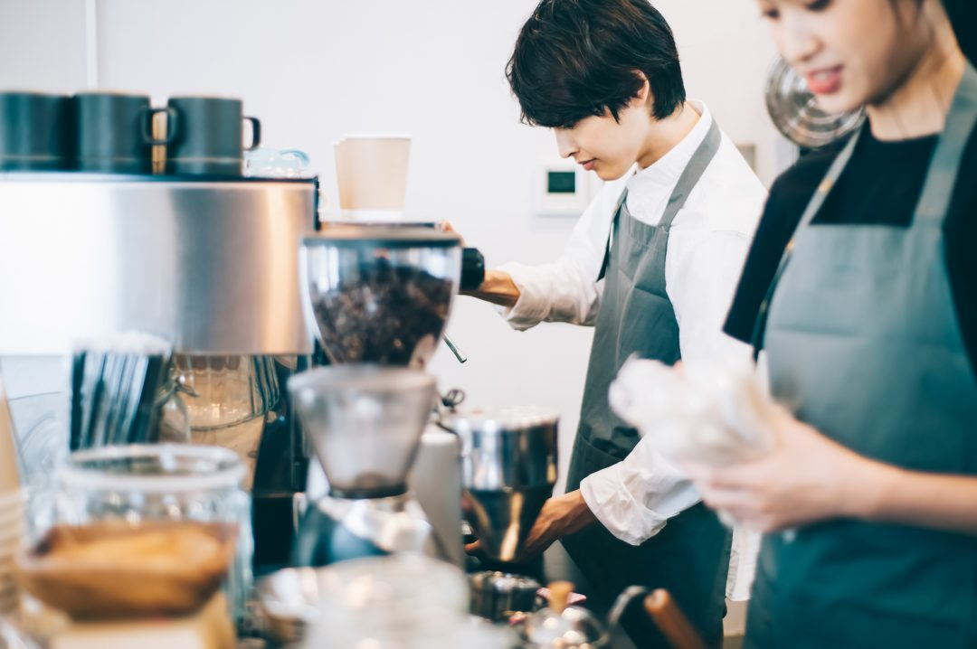 ホテルラウンジ、カフェのバイト